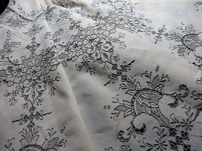 "Lovely Vintage Hand Embroidered Madeira Linen Tablecloth 50"" sq Unused"