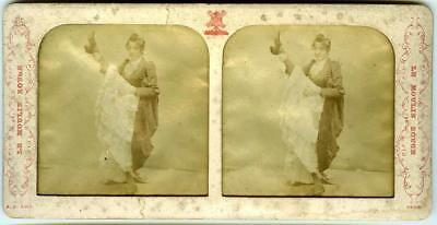 Paris: Moulin Rouge, Can-can dancer 'Gigolette', tissue view