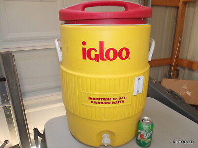 LARGE 10 Gallon Igloo Water Drink Cooler FOOTBALL TAILGATE MASH PARTY FUN COOLER