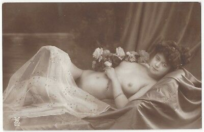 1920 French NUDE Photograph, Beautiful and Very Youthful, Full Frontal Reclining