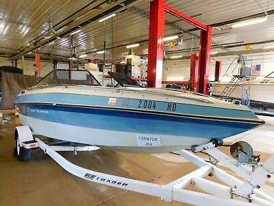 19' Sea Sprite Mercruiser In/Outboard EZ Loader Trailer T1268728