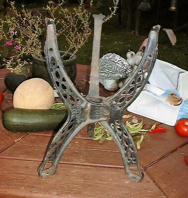 Antique Cauldron Pot Holder TRIPOD Stand CAST IRON PAT.PEND P & H Decor Garden