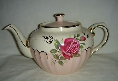 Pretty Vintage English Sadler Round Fluted Pink Teapot With Pink Roses & Gold