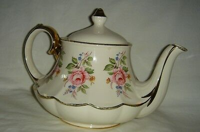 Pretty Vintage English Sadler Teapot With Pink Roses Decoration In A Great Shape
