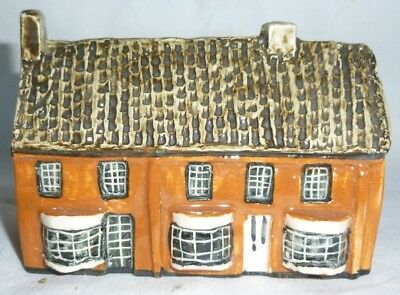Tey Pottery Britain in Miniature of Ivy Cottage, Horning, Norfolk 7x10x5.5 cm