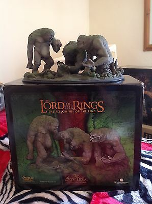 Sideshow Weta Lord of the Rings Stone trolls statue environment