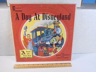 1957 *A DAY AT DISNEYLAND w/ WALT DISNEY & JIMINY CRICKETT* 33RPM RECORD ALBUM