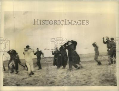 1943 Press Photo First German POWs taken in Italy by Allies at surrender