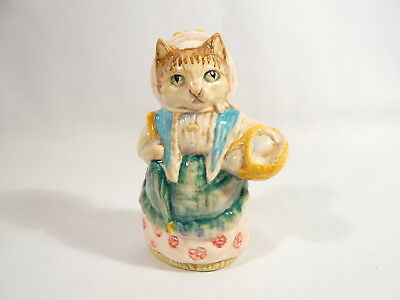 BP2a  Beatrix Potter Figurine Beswick COUSIN RIBBY Gold Oval