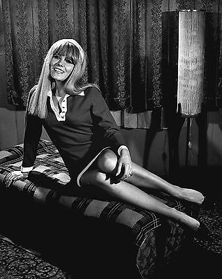 """Wendy Richard Carry On 10"""" x 8"""" Photograph no 13"""