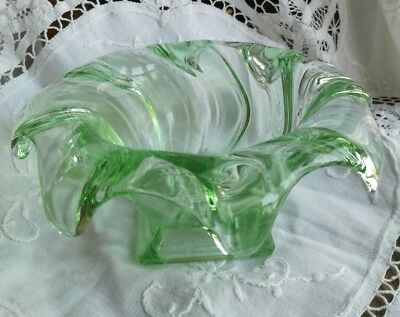 Lovely Vintage Heavy Green Glass Scalloped Posy/Sugar/Confectionery Bowl
