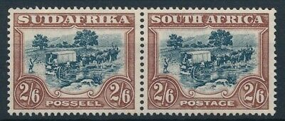 [54058] South Africa good pair of MNH Very Fine stamps