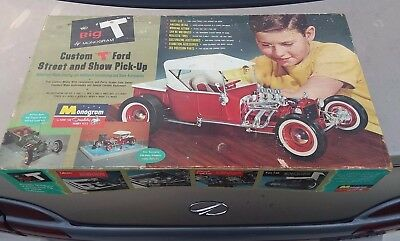 "MONOGRAM 1:8 SCALE "" The Big T "" CUSTOM T FORD STREET & SHOW PICK UP 1962 Model"