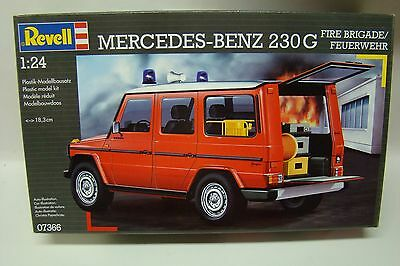 "Revell of Germany 1/24 Mercedes Benz 230G Fire Brigade/Feuerwehr w/24"" wheels"