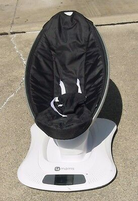 4MOMS Mamaroo 1026 Baby swing Pre-Owned Excellent Clean Working Condition