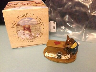 Wee Forest Folk, M-266 Brushing Up, new in box