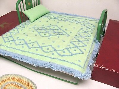 American Girl Kit's DAY BED w/Box MATTRESS FRAME PILLOW CHENILLE SPREAD Daybed