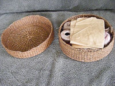 Antique Sewing Basket W/ Lid Filled With Tatting Thread Boye & Bakelite Shuttles