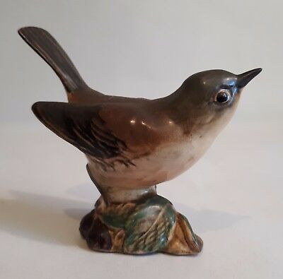 Vintage BESWICK Pottery Bird Figure. No.2106 WHITETHROAT. Made in England