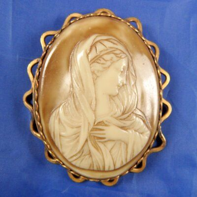 Stunning Vintage 1940S Large Cameo Brooch The Madonna.