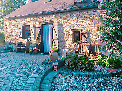 French Rural Cottage bed and  breakfast - Winter weekend breaks .Campers welcome