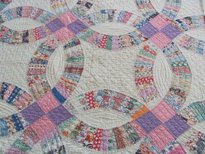Beautiful large cotton 1930's Double Wedding Ring quilt hand quilted all by hand