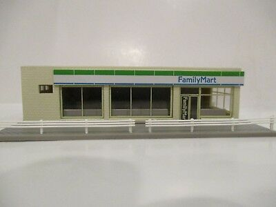 Tomix N Scale Built-Up Convenience Store Structure - Family Mart - New!