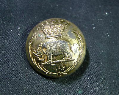 74th (Highlanders) Regiment of Foot Gilt Doublet BUTTON Charles Jennens 1860-81
