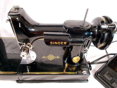 SINGER SCROLL FACE Featherweight Sewing Machine # AG817875 w/CASE Works Antique
