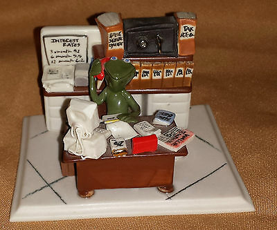 Office FROG Froggy Accountant Banker Wall St FIGURINE Signed KS DWS Numbered