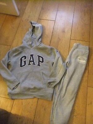 Boys Gap Tracksuit Age 8-9 Years