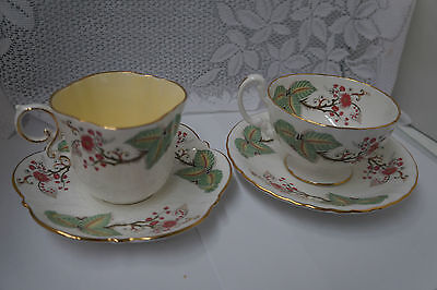 Aynsley Green Leaf Tea Cups and Saucers Lot of 4