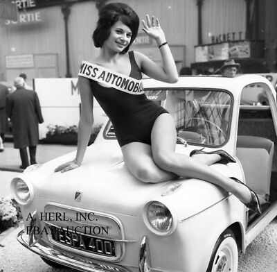 Vespa automobile 1960 Miss Automobile winner photograph press photo
