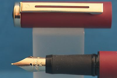 Sheaffer Award Medium Fountain Pen, Matt Burgundy with Gold Trim & Nib, Cased