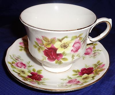 RP1880 Vtg Ridgway Potteries Tea Cup & Saucer Bone China Queen Anne