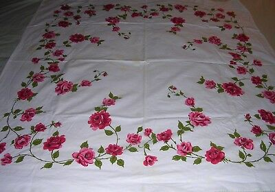 017T Vintage COTTON Tablecloth PINK RED CLIMBING ROSES Floral 45 x 50 Valentines