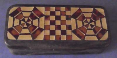 Small Antique Trinket Or Pill Box, Shell Or Horn, Inlaid Top