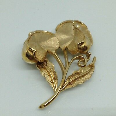 Signed CROWN TRIFARI Vintage SWEET PEA FLOWER BROOCH PIN Gold Tone Jewelry