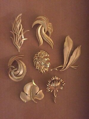 All Signed Crown Trifari Goldtone Brooch Lot Leaves Thistle Lion