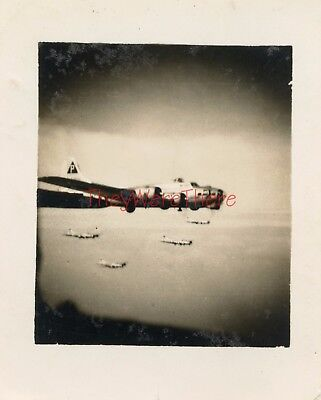 WWII photo- 384th BG- B-17 Flying Fortress Bomber planes IN FLIGHT FORMATION -2