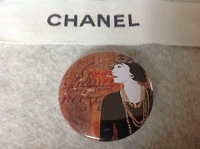 Badge ,broche COCO CHANEL  neuf