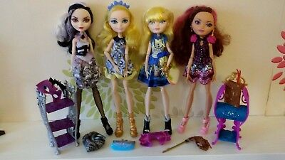 *Ever After High Bundle Of 4 Dolls Plus Accessories*
