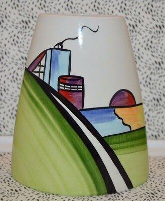 Lovely Lorna Bailey ''Deco House'' Signed Vase Made In England USC RD7987