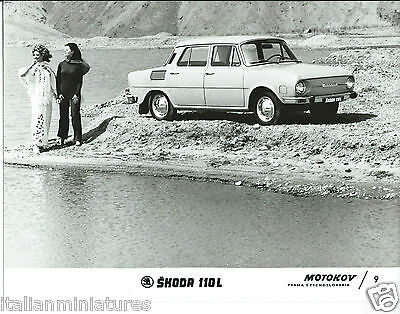 Skoda 110L Motokov 9 Original Press Photograph Girls in Nice Costumes
