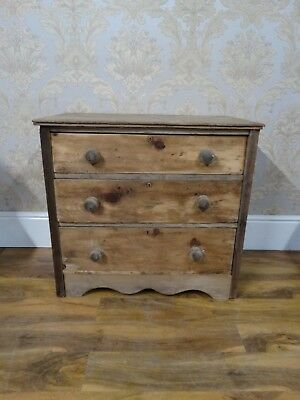 Antique Victorian washed pine chest of drawers, Simple and rustic farmhouse