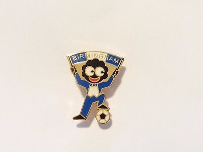 Birmingham City F.c. Enamel Badge ~ Fan / Supporter Waving Scarf
