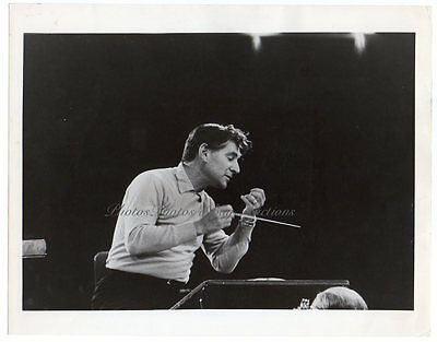 LEONARD BERNSTEIN Composer Conductor NY PHILHARMONIC 1960 ORIG PHOTO