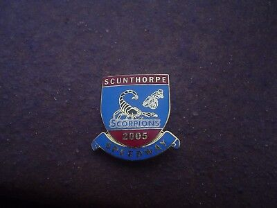Scunthorpe 2005 Blue/red  Design   Speedway Badge Mint Con In Gold