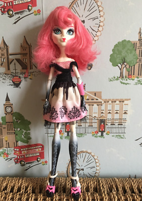 Girls - Monster High C.A Cupid Doll - Good Condition 2nd Wave
