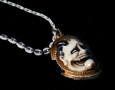 Vtg Florenza Goldtone Asian Noh Devil Mask Halloween Gothic Pendant Necklace